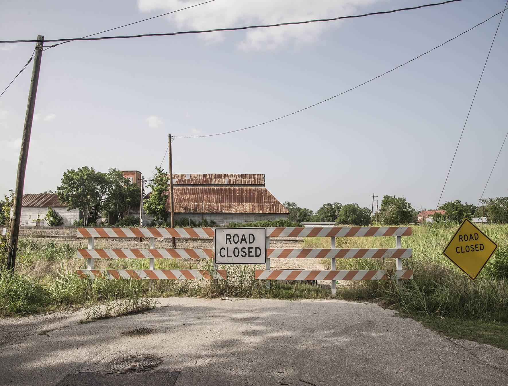 33 Far Fading West, Road Closed, 2016