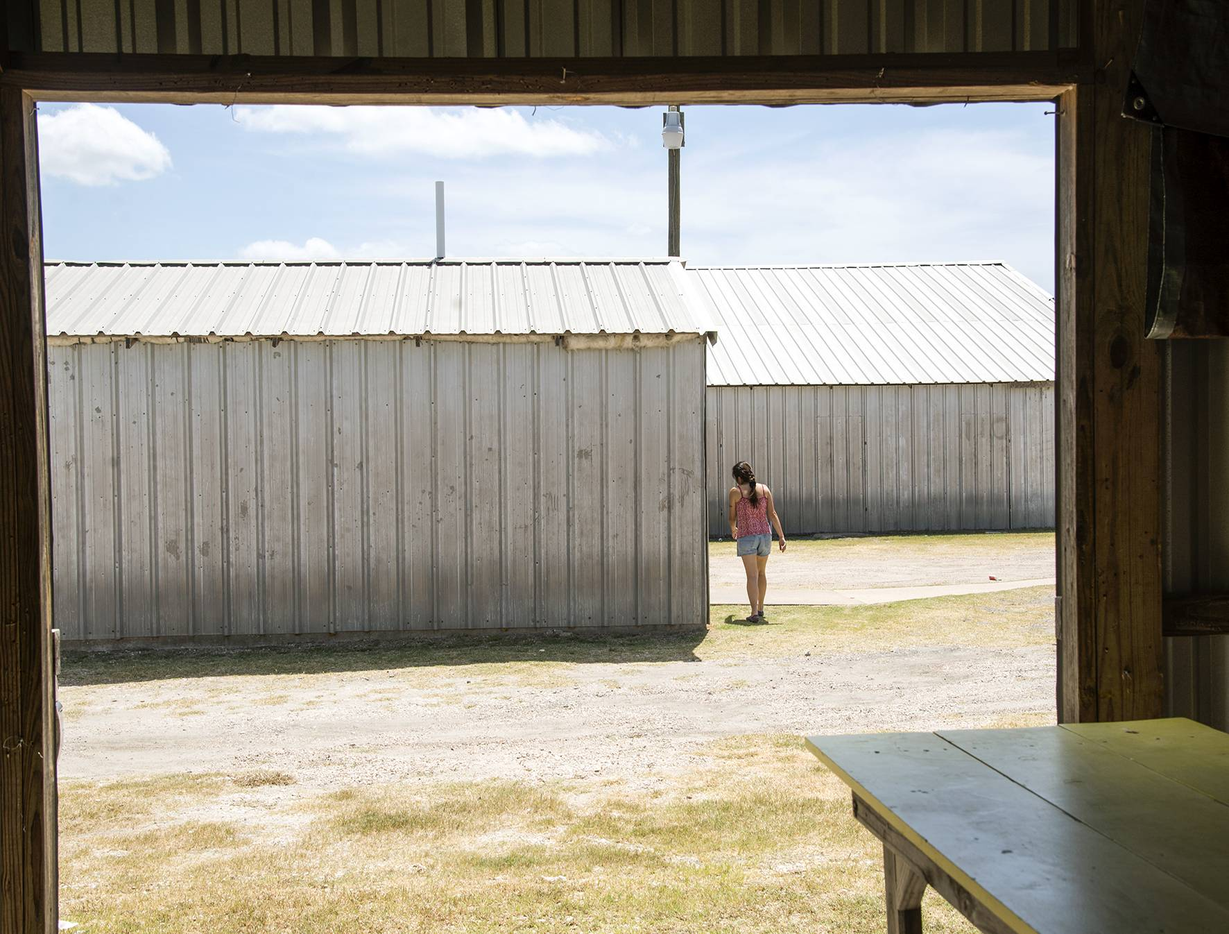 40 Far Fading West, Girl, 2017