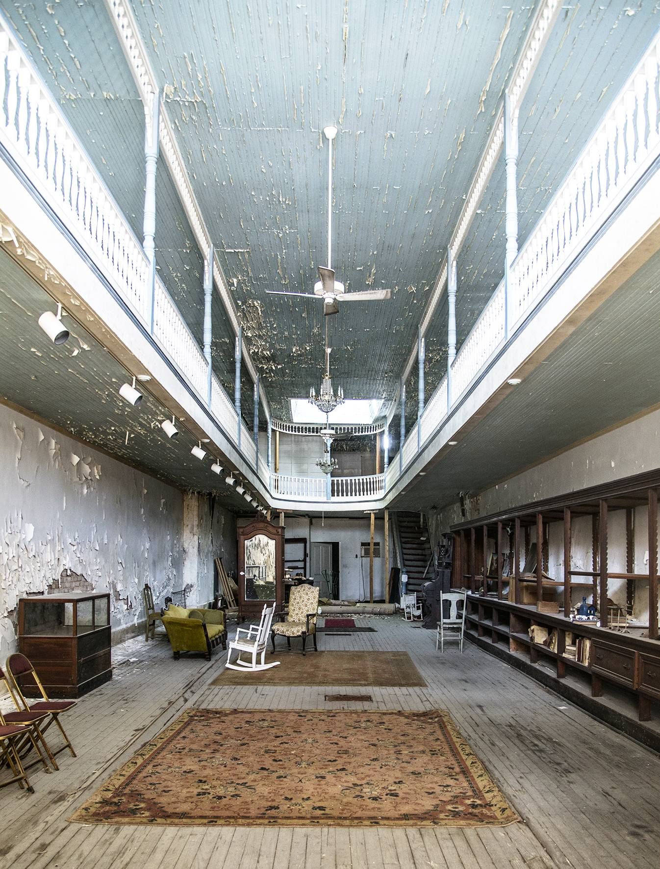 5 Far Fading West, Two Stories Shop, 2015