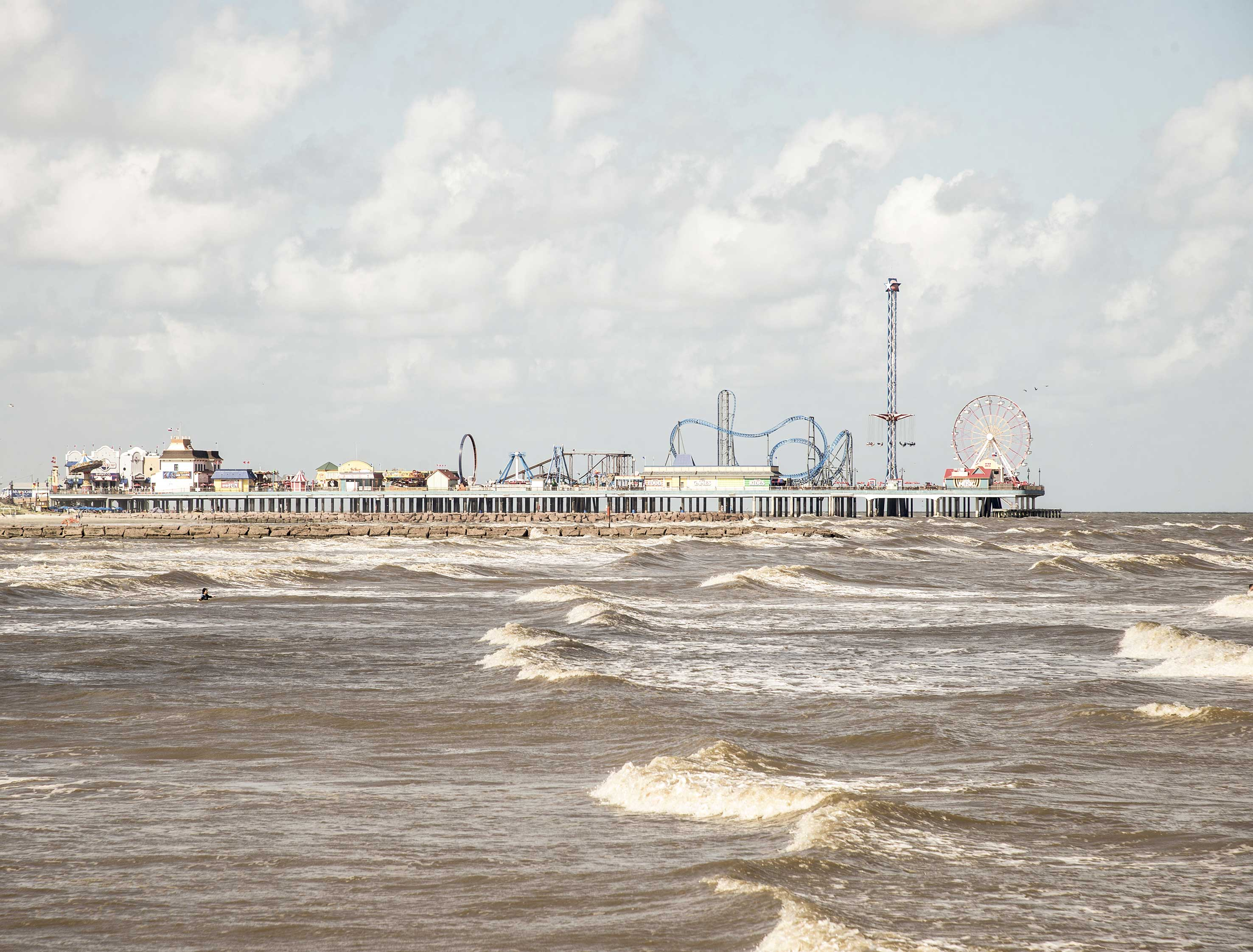 1-Far-Fading-West,-Brown-Sea-(Galveston,-Texas),-2017